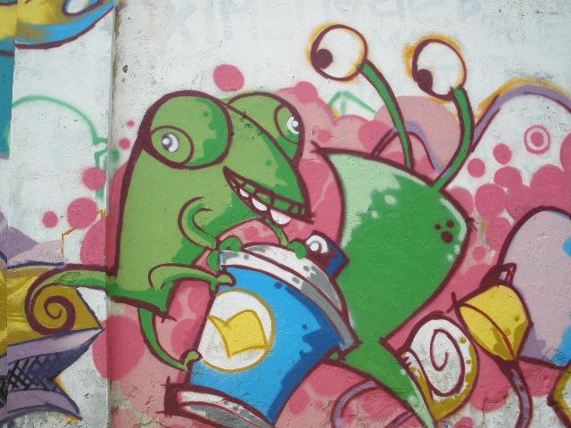 Graffitis Sobre Las Calles San Martin Y Papa Juan Xxiii De Asuncion